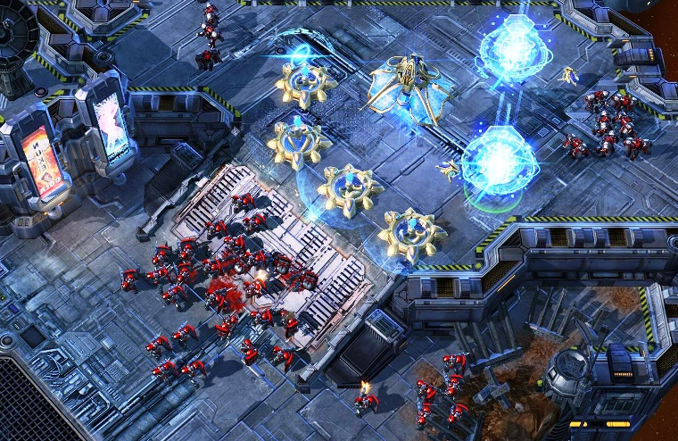 A Discussion About Visual Readability in StarCraft 1 and 2